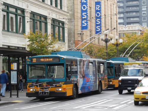 King-County-Electric-buses-in-downtown-WEB