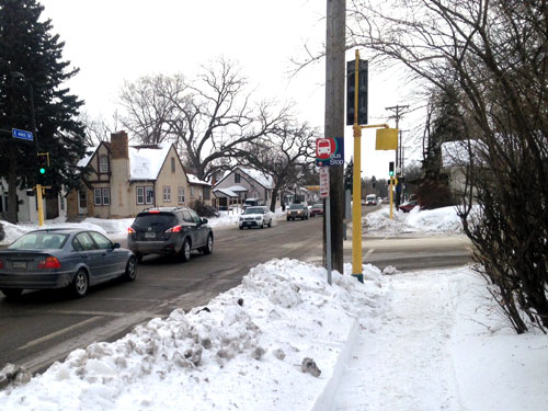 Snowy-bus-stop-parkand46th-south-mpls-WEB